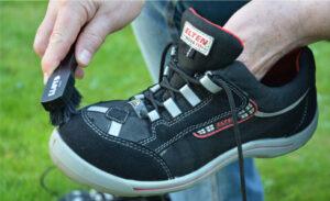 Schuhpflege bei Arbeitsschuhen